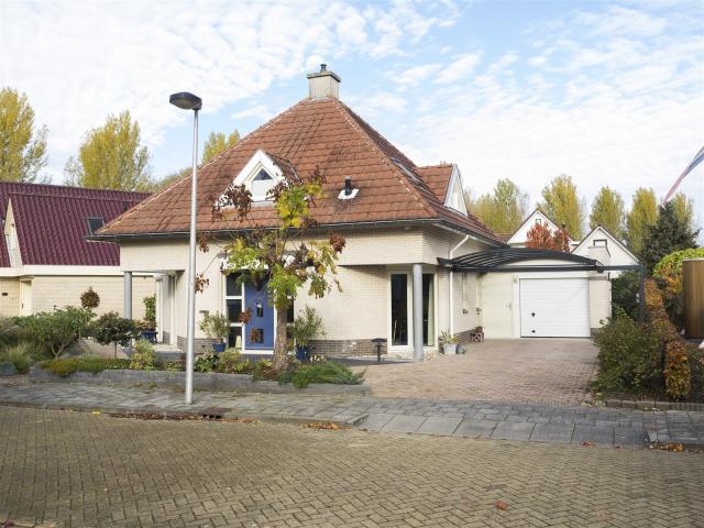 Aria 17, Kampen