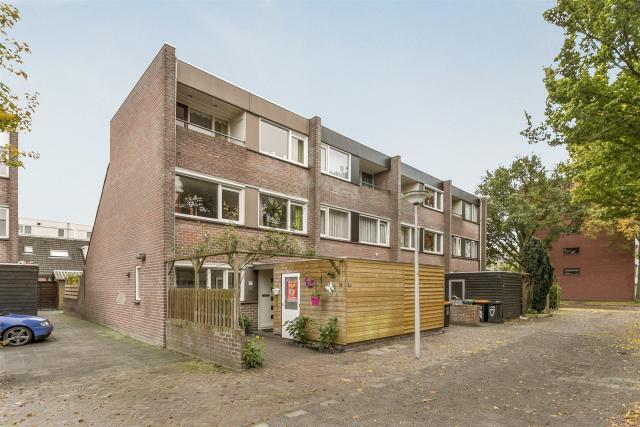 Tamboerlaan 77, Hoogeveen