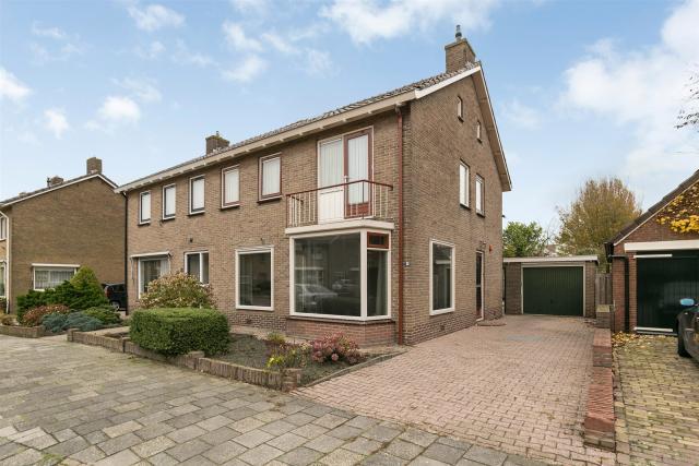 van Hogendorpstraat 15, Hoogeveen